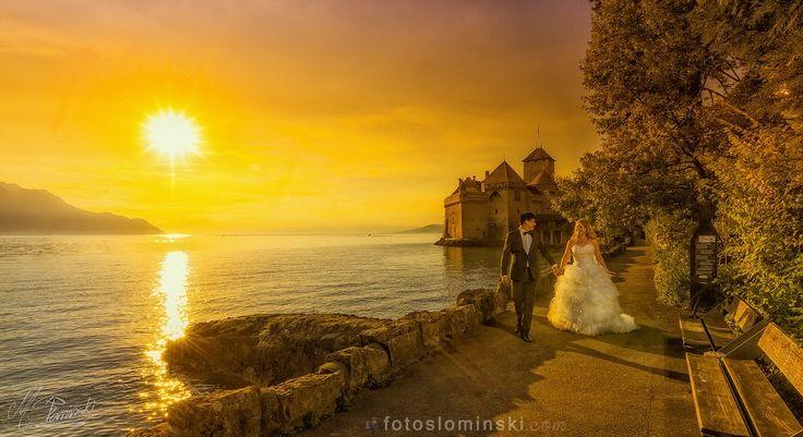 Fotografia ślubna - Słomiński #ZdjęciaSłomińskiego  Dziś mam dla Was dwa zdjęcia ze Szwajcarii. Na zdjęciu Monika i Marcelo w wyjątkowo pięknej Szwajcarii.  W tle zamek #ChâteaudeChillon w mieście #Montreux przy jeziorze Genewskim.  Ciekawe pomysły na romantyczne #zdjęcia przy zachodzie słońca (#retusz i #edycja zdjęć ślubnych #Photoshop)