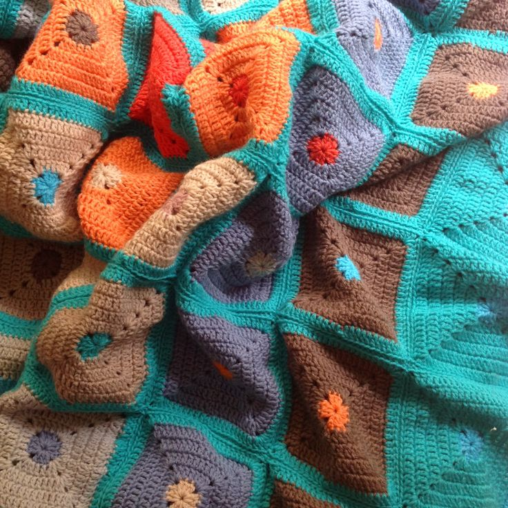 "OYA's WORLD- Crochet-Knitting: Crochet: Big Blanket with ""Granny Solid Square"""