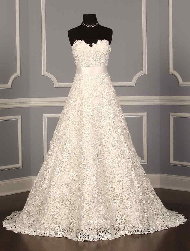 The 68 best oscar de la renta wedding dresses images on pinterest oscar de la renta 33n82 discount designer wedding dress junglespirit Choice Image