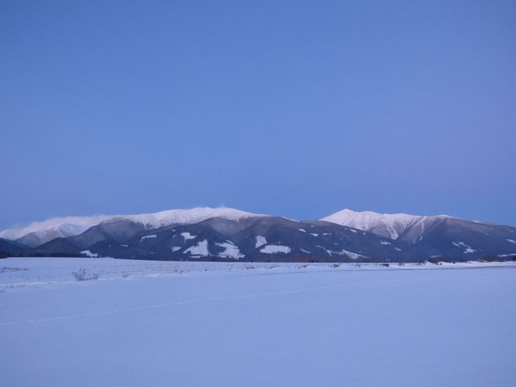 Those snowy mountain landscapes in Slovakia <3