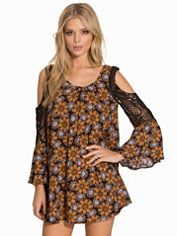 Oversize - Online - Shoppa Dina Festklänningar - På Nelly.com
