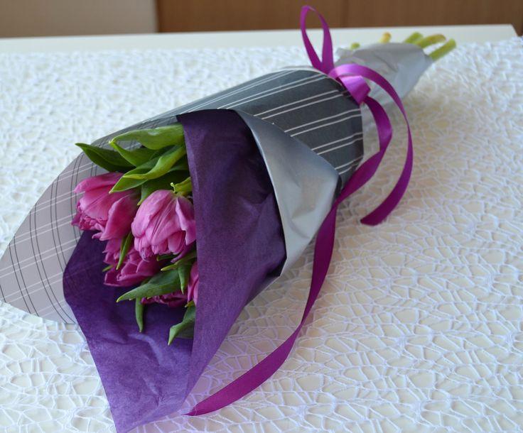 Сиреневые тюльпаны букет