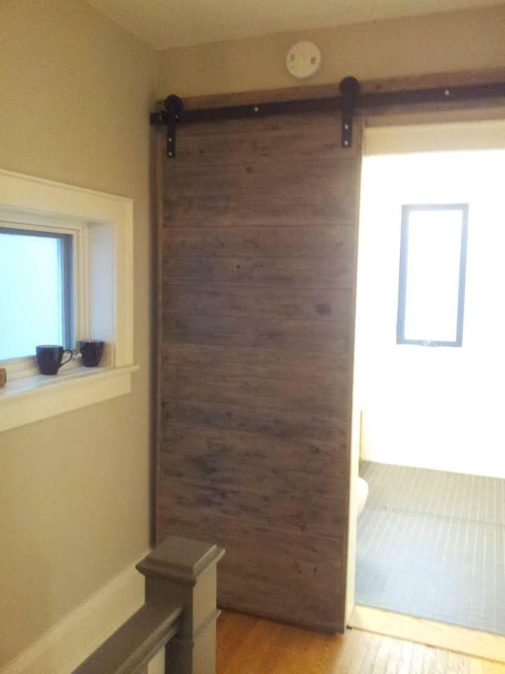 Slick Bathroom Barn Door! #rebarn #barndoor #barndoortoronto