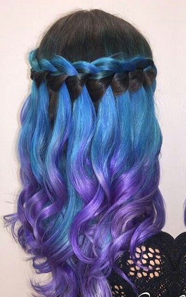 Black blue purple waterfall ombre dyed hair color @thehairchronicles_ @_hairbytiffany_
