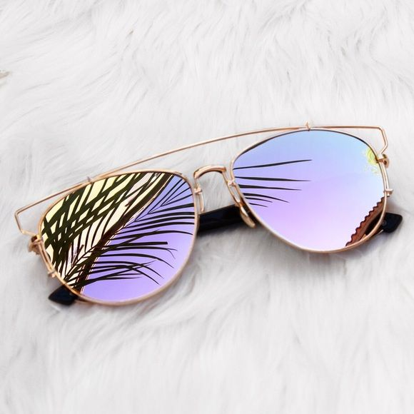 Sunglasses Alex sunnies with pink reflective lens and gold frames Accessories Sunglasses