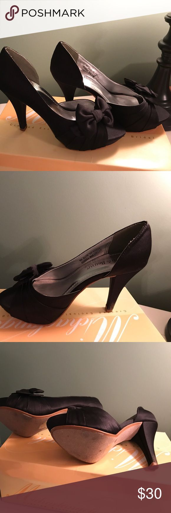 "Davids bridal formal shoes Just a little wear and only worn once.  Approx 3 1/2"" heel David's Bridal Shoes Heels"