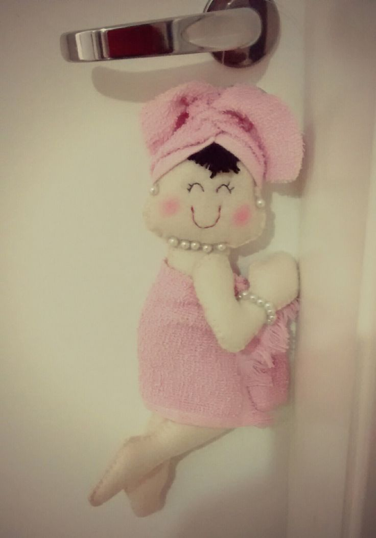Boneca para banheiro de feltro