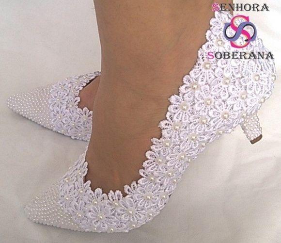 2e80bd5098 Compre Sapato branco florado casamento (Noiva) no Elo7 por R  259