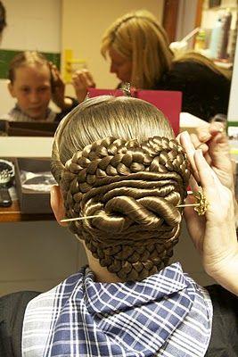How to create Fallera hair - an integral part of Fallas in Valencia, Spain
