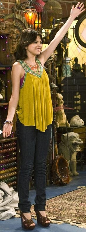 Who made Selena Gomez's yellow shirt that she wore on Wizards of Waverly Place 3.04 Three Monsters?