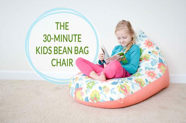 Cousez un pouf poire pour enfant en 30 minutes. Parfait pour le coin lecture ou pour regarder un film. Ma recommandation : prévoir une pièce remplie par les billes de polystyrène et une pièce zippée qui recouvre