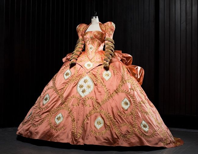 MIRROR MIRROR Costumes - One of the wicked queen's gowns, worn by Julia Roberts