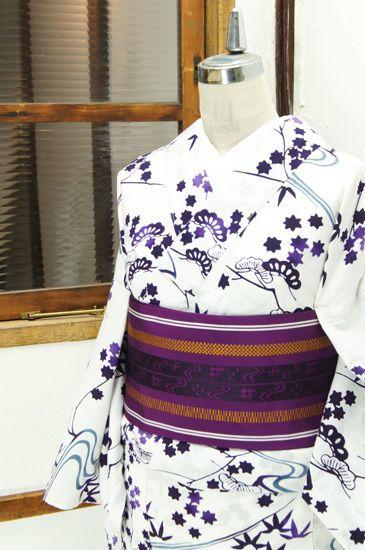 薄縹の流水に古代紫で四季の草花美しい古典文様が染め出された注染レトロ浴衣です。 #kimono