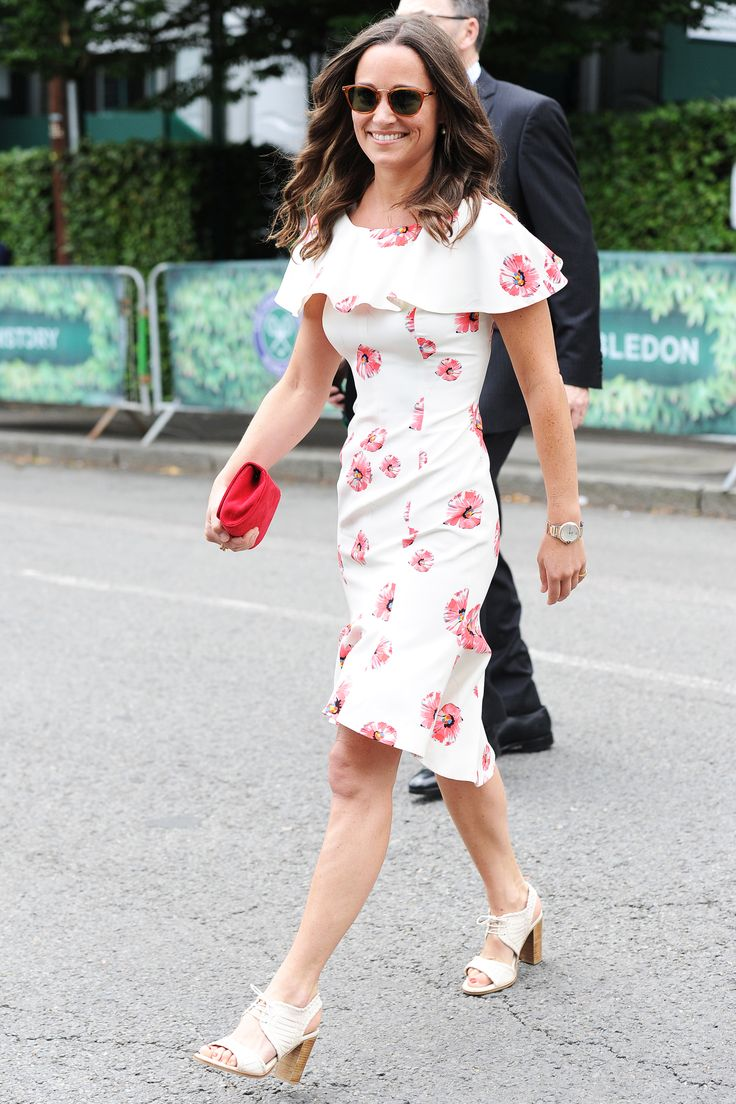 Pippa Middleton Rings In The Start Of Wimbledon In The