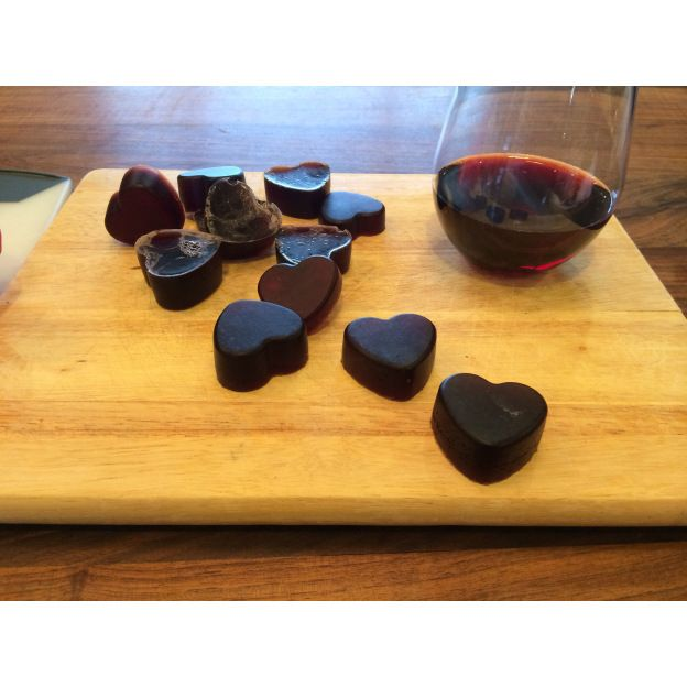 Wine Gummy Candy! I'll make this for my mum :p