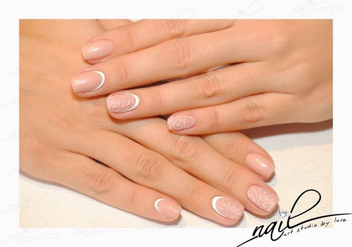 nails manicure nude moon white roses nude deisgn lovely