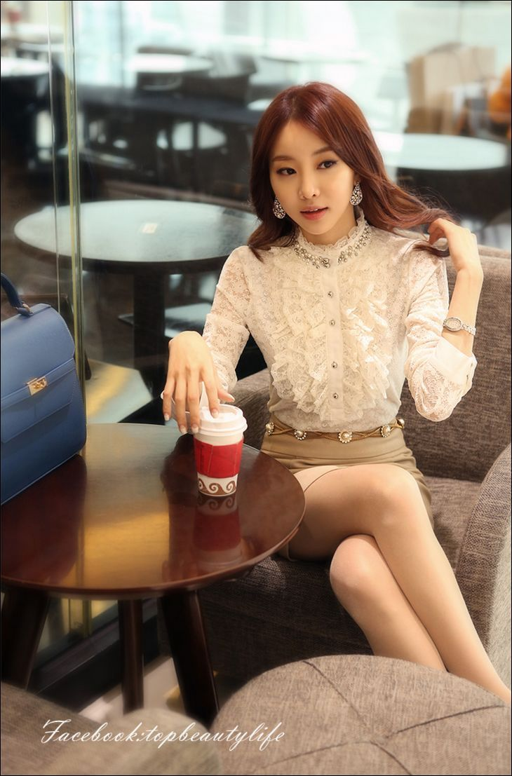 2013 Korean Style Fashion Lace Ruffles Beading Long Sleeve Bodysuit Shirts, White