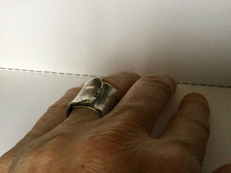 Un preferito personale dal mio negozio Etsy https://www.etsy.com/it/listing/472385818/anello-fascia-argento-sterling-ossidato