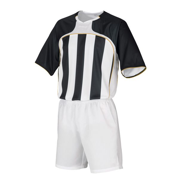 Aoxiang Soccer Sportswear adopts 100% breathable and dry polyester fabric, makes you more comfortable when playing soccer. Classic stripe design, delicate cutting, create your style. http://www.axfz86.com/Products/AoxiangSoccerSportsw.html