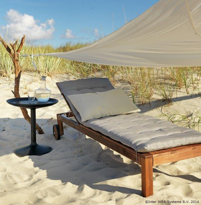 Adaugă o saltea moale și poți să stai mai comod la plajă www.IKEA.ro/saltea_HALLO