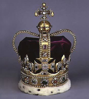 St. Edward's Crown This is the crown used to crown the British monarch at his/her coronation. It was last used in 1953 to crown Queen Elizabeth I in 1953