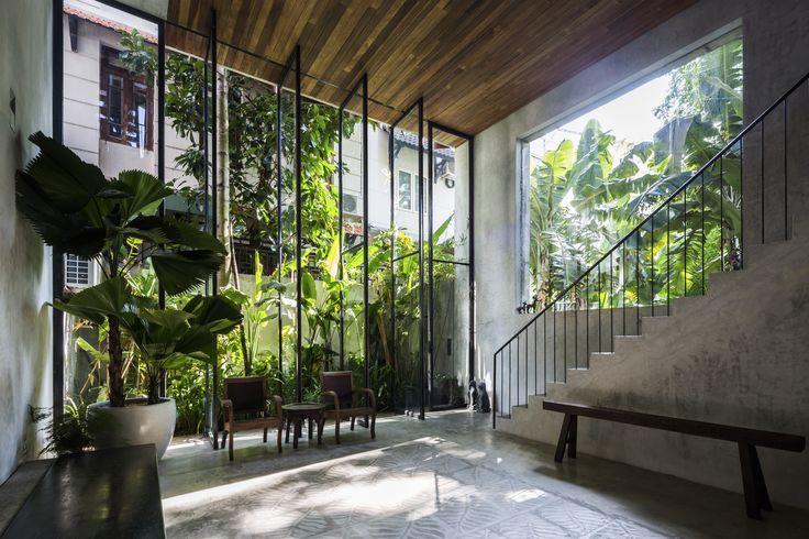 Thong House / Nishizawa Architects