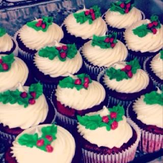 Holly Cupcakes For A Christmas Fair