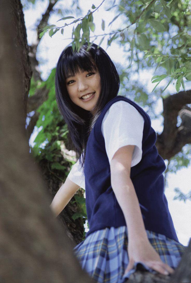 洋服が素敵な真野恵里菜さん