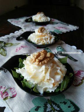 Le rose di ricotta,miele e noci sono dei raffinati bocconcini che si adattano a qualsiasi occasione,tavolata o buffet. Si preparano in un attimo e lasciano
