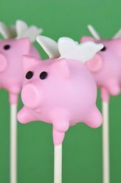 Amazing Cake Pops - Flying Pigs
