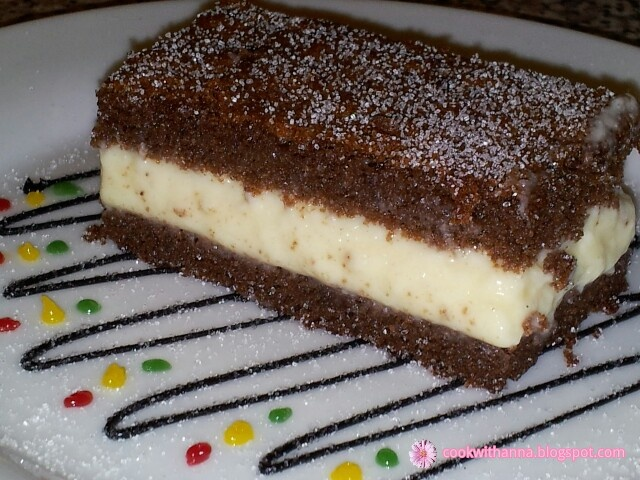 Milch Schnitte one of the best cakes I ever had http://gatiticuspor.blogspot.co.uk/2012/05/prajitura-kinder-pingui.html