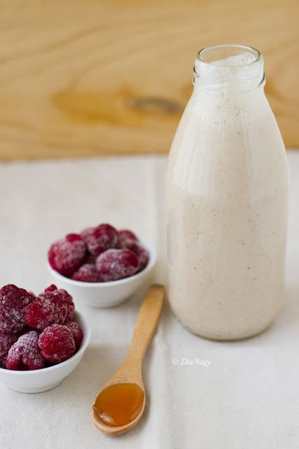 Superfood Breakfast: Raspberry Almond Milk Smoothie : Zizi's Adventures – Real Food, Real Stories