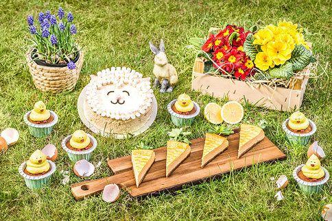 Roztomilé velikonoční sladkosti: naučte se, jak snadno zdobit dezerty. Vtipná kuřátka, dort jako beránek nebo mrkvový cheesecake
