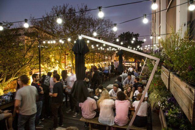 We picked some truly great rooftop bars in Cape Town for you to enjoy.