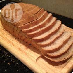 Foto recept: Licht bruinbrood uit de broodbakmachine
