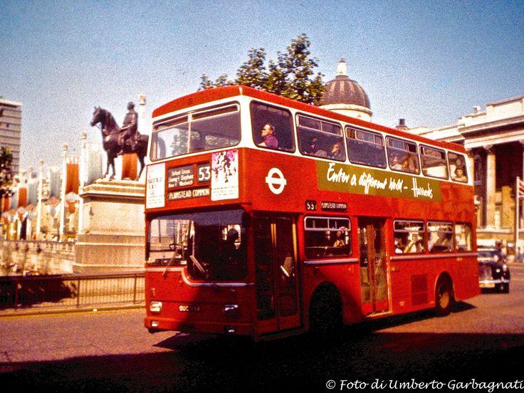 Oltre 25 fantastiche idee su autobus a due piani su for Piani a due piani moderni