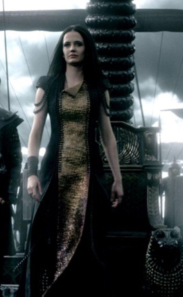 "Eva Green - ""300 : Rise of an Empire"" (2014) - Costume designer : Desislava…"
