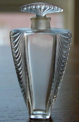 Art Deco AILETTES VOLUTES Perfume Bottle 1020's                              …