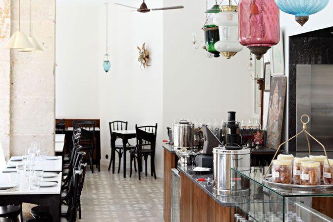 Restaurant MG Road  à Paris 205, rue Saint-Martin 75003 TÉL : +33 1 42 76 04 32 Métro : Arts et Métiers, Etienne Marcel Site : mgroadrestaurant.com