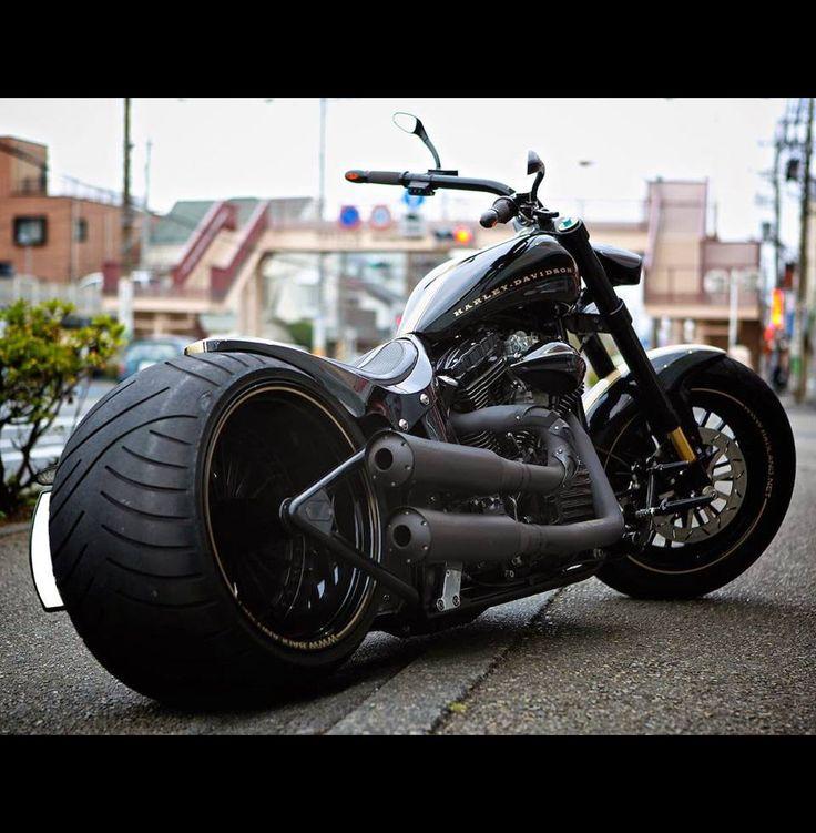 Harley-Davidson TwinCam Softail Night Train 300 Wide Tire Custom