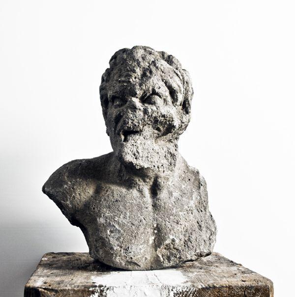 """Massimiliano Pelletti """"Untitled"""" # 0007 2015 Scultura in pietra grezza 40 x 30 x 40 cm"""