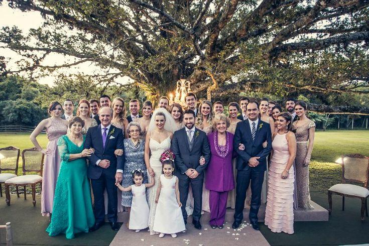 Decoração Colorida e Cerimônia No Jardim Para Um Casamento Ao Ar Livre no Rio Grande do Sul. Clica!