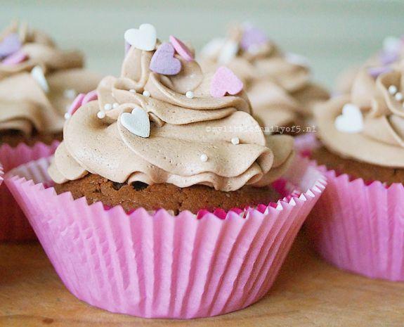 Recept: Chocolade cupcakes gevuld met witte chocoladeroom   My 'little' family of 5   Bloglovin'