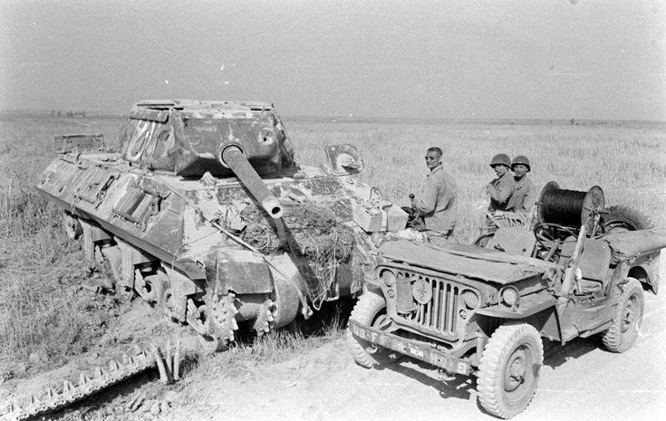 M10 Tank Destroyer knocked out near Lanuvio - Italy 1944 [1690x1070]: DestroyedTanks