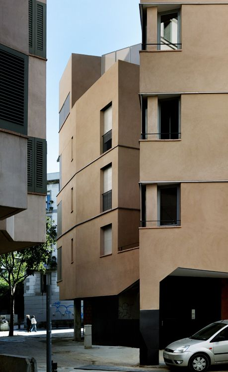 18 building subsidized housing, Barcelona by Josep Llinás Carmona