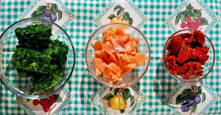 Szpinak, wędzony łosoś i suszone pomidory - pierogi