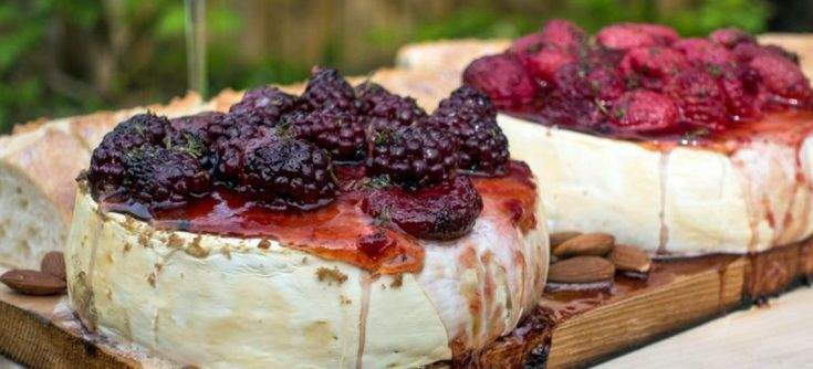 formaggio-affumicato-su-placca-di-cedro