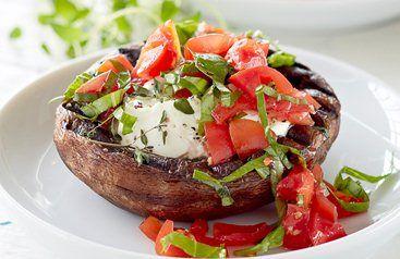 Grillede Portobellosvampe med tomatsalat - SuperBest.dk