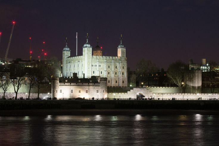 https://flic.kr/p/C1XXoX   Tower of London