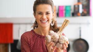 Prečo nevyhadzovať cesnakové šupky? | Casprezeny.sk